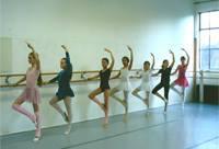 Kinderballettmit Tanja-Nadine BormannIn der italienischen Renaissance hat Ballett seinen Ursprung. Heute werden die Schü...