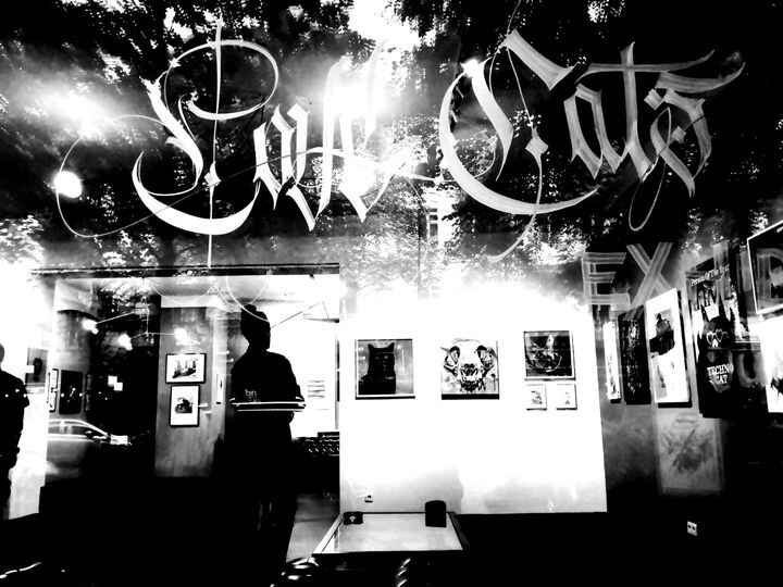 a wonderful photo taken by Jorge Pereira Nothankswith lovecat calligraphy made by master calligraphy THEOSONE  ,thank yo...
